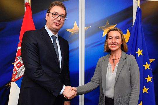Косово главна тема на средбата Могерини – Вучиќ