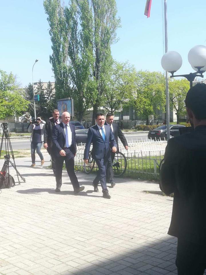 """Адвокатите на Заев бараат исказот на Иван Николов и материјалните докази да не бидат дел од судската постапка за """"Поткуп"""""""