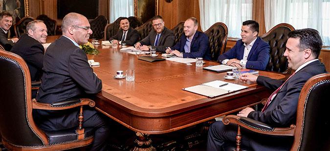 Заев и Николовски на средба со претставници на компании од Косово и Израел
