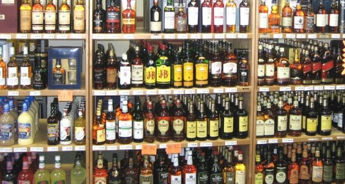Собранието ја укина забраната, усвоени измените на законот за продажба на алкохол