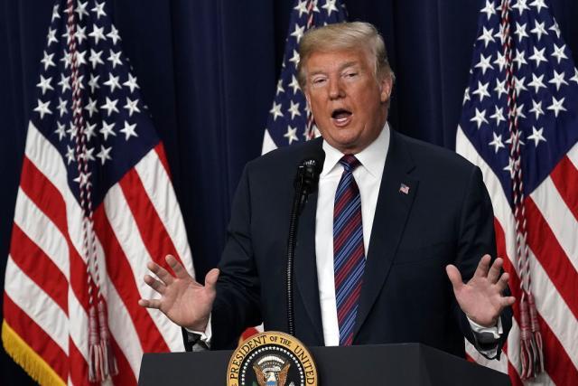 Трамп: САД нема да станат мигрантски камп