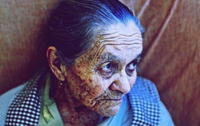 Писмото на оваа баба го освои светот: Советите кои и ги дала на внуката злато вредат и добро запомнете ги