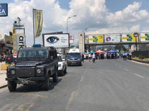 Колариќ: Колку време е потребно на градоначалникот на Скопје и неговиот колега од општина Чаир да го решат дивиот премин?