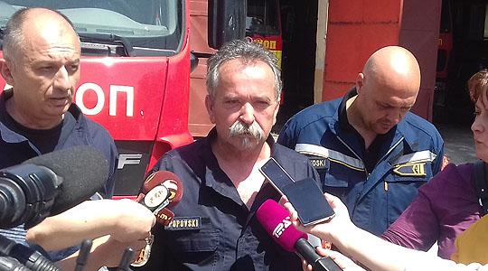 Битолски пожарникари попречувани во акција за гаснење пожар