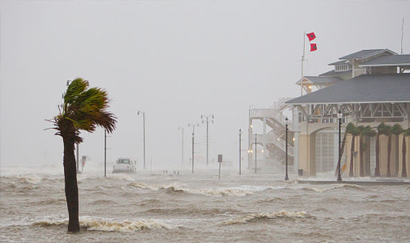 Илјадници евакуирани во САД и Куба поради бурата Алберто