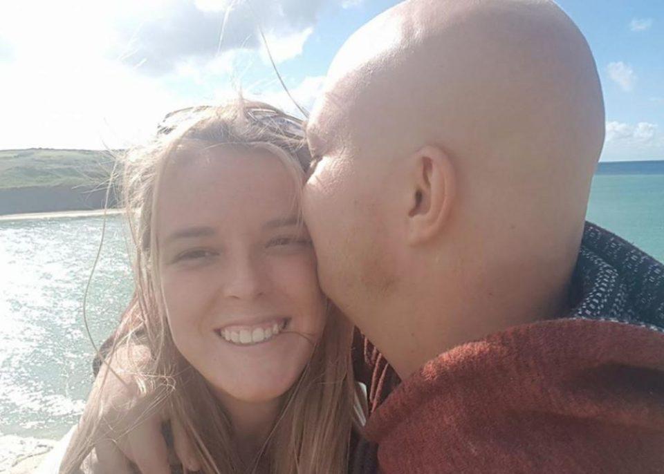 Нејзиниот вереник починал ден пред венчавката: Два месеци подоцна добила подарок кој ја донел до солзи (ФОТО)