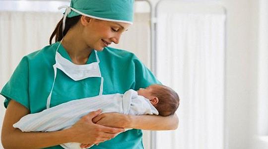 Одбележан Денот на акушерки и медицински сестри