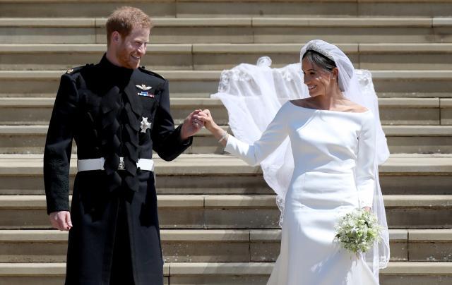 Хари и Меган враќаат подароци од свадбата вредни 9 милиони долари: Кога ќе дознаете што им подарила кралицата ќе останете без текст