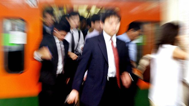 НЕДОЗВОЛИВО: Јапонски воз тргна 25 секунди порано, компанијата јавно се извини