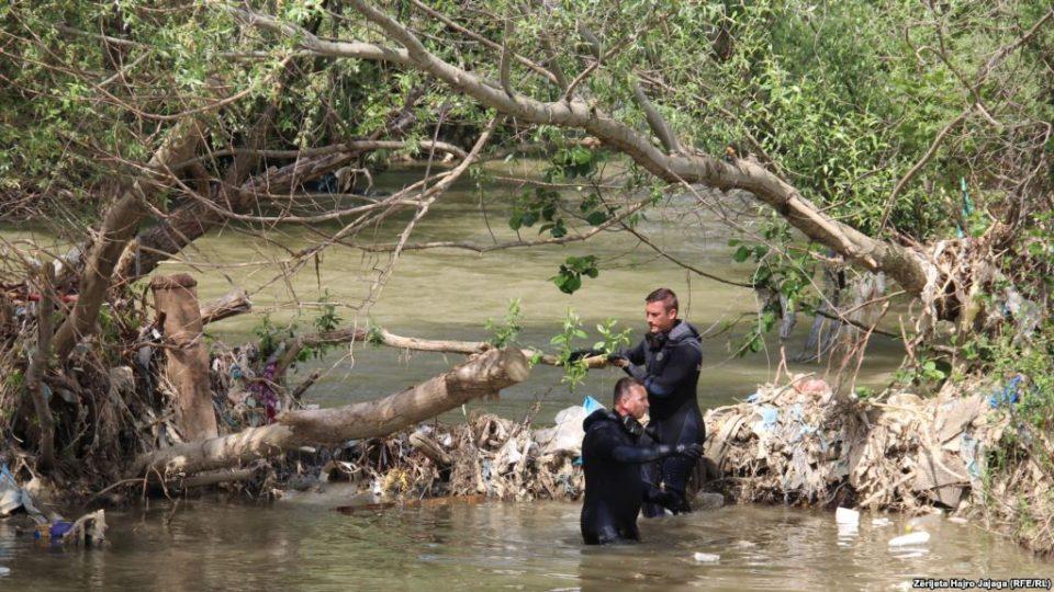 """Трет ден продолжува потрагата по косовските полицајци- на терен и македонските """"тигри"""""""