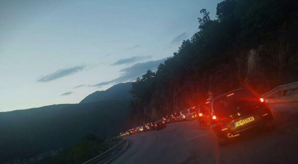 Први мај го блокираше сообраќајот: Автомобили еден час заглавени на Стража
