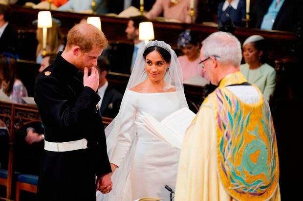 Го воодушеви светот со својата појава на венчавката со Хари, а еве како изгледаше Меган на претходната свадба (ФОТО)