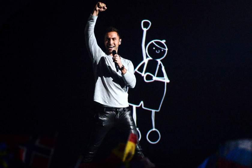 Победникот на Евровизија стана татко- кога ќе видите што им порача да очекуваат фановите на Евровизија во 2038 година ќе се наежите (ФОТО)