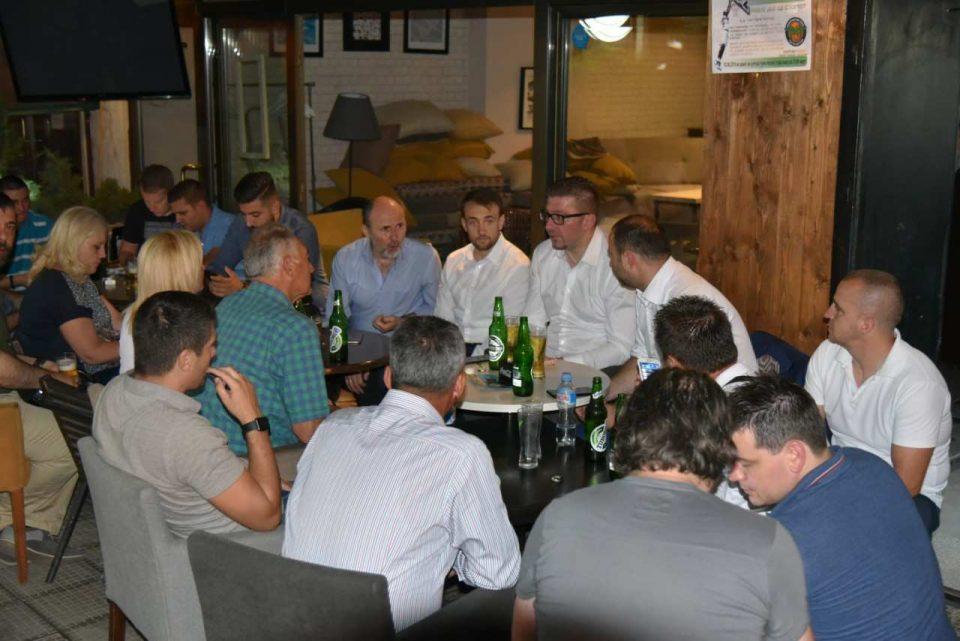 ФОТО: Мицкоски на кафе дружба со граѓаните во Ѓорче Петров