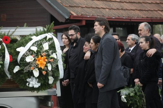 Голема трагедија во домот на ракометарот- сега му почина бебето, а пред еден месец го погреба и дедо му кој беше познат музичар (ФОТО)