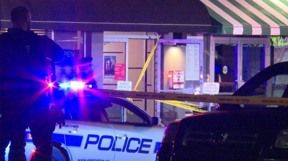 ФОТО: Експлозија во ресторан во Мисисaга, најмалку 15 повредени