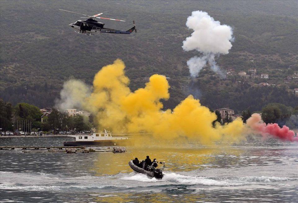 ФОТО ГАЛЕРИЈА: Специјалците на МВР спасуваа нападнат брод во Охридско