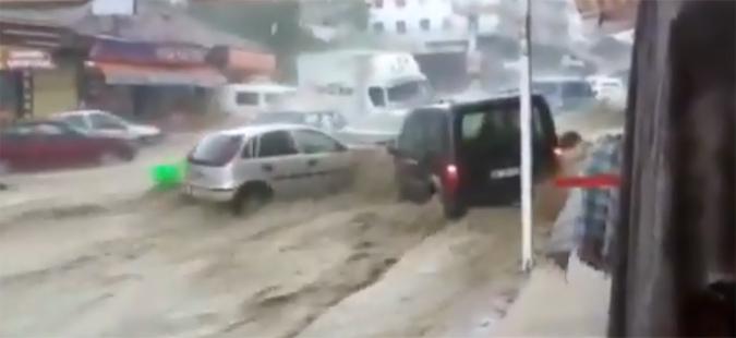 Поплава во Анкара, шестмина повредени