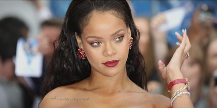"""Беше една од најзгодните, а денес е """"плус сајз"""": Фановите на Ријана не им веруваат на своите очи (ФОТО)"""