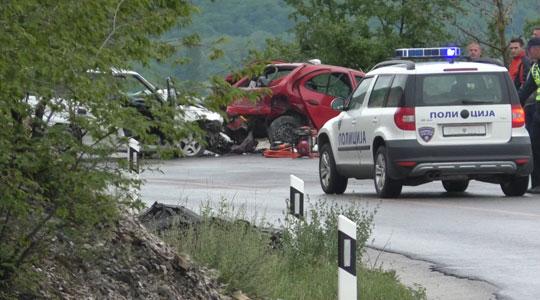 Фотографии од страшната сообраќајка на патот Гостивар-Кичево