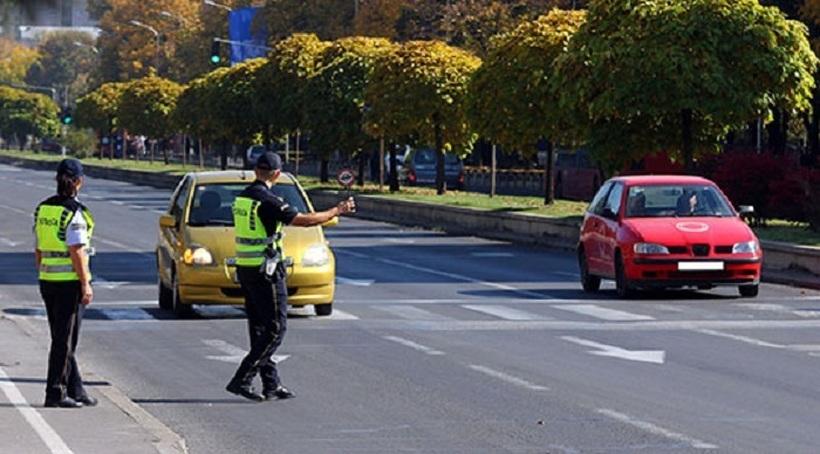 Санкции за 271 возач за брзо возење викендов во Скопје