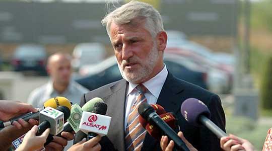 Тачи: Итниот штаб во Тетово нема инфектолог, Филипче требаше да биде менаџер на кризата а не презентер на дневни статистики