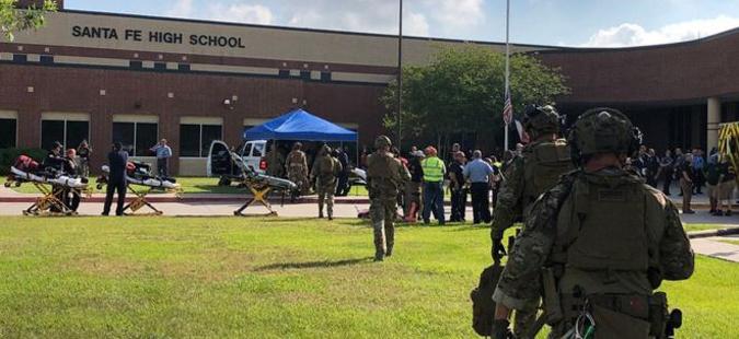 Најмалку осуммина убиени при напад во училиште во Тексас