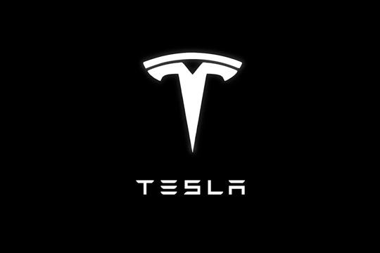 Вредноста на Тесла падна за 50 милијарди долари