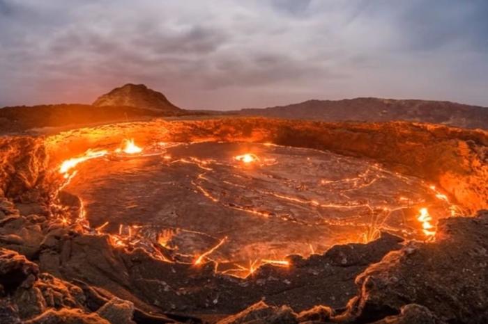 Вулканот на Хаваите се поактивен, забранети летови во опасната зона