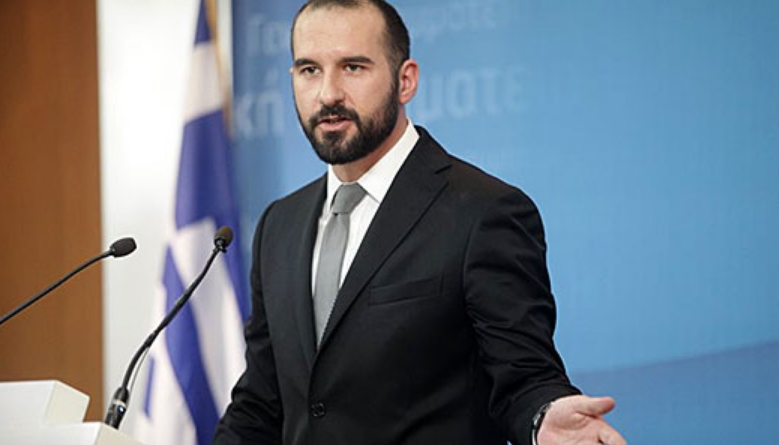 Ѕанакопулос: Промена на уставното име е предуслов за решение