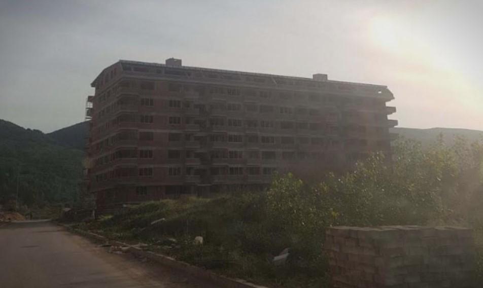 Во струмичката Касарна нема место за пазар, ама затоа има место за згради на Заеви