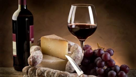 Со што да ги мезите црвените вина