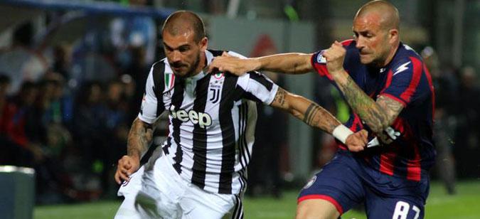 Тројца фудбалери го напуштаат Јувентус