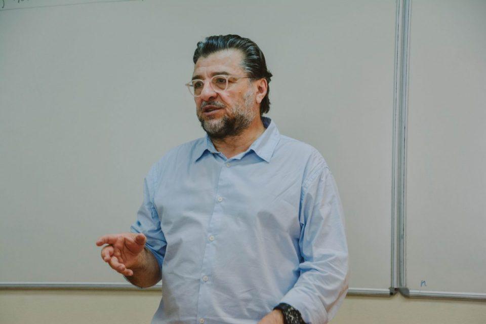 Двојната игра излегува на виделина- Фрчкоски професор на Академијата на Владимир Путин