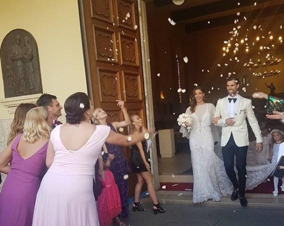 ФОТО: Вардарки се собраа повторно, овој пат за свадбата на нивната колешка која блесна во бело