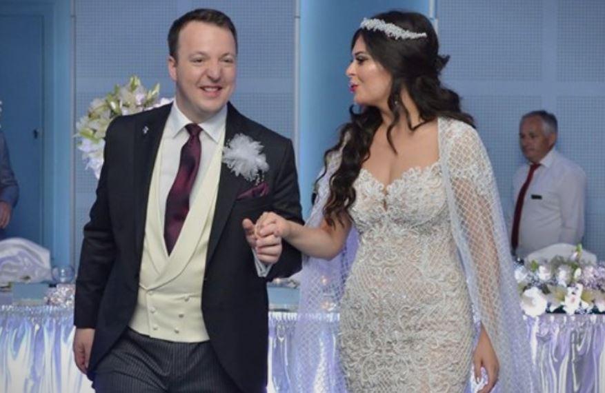 ФОТО: Елегантнo и роматично: Се ожени Александар Николоски, потпретседателот на ВМРО-ДПМНЕ, а ова е неговата сакана
