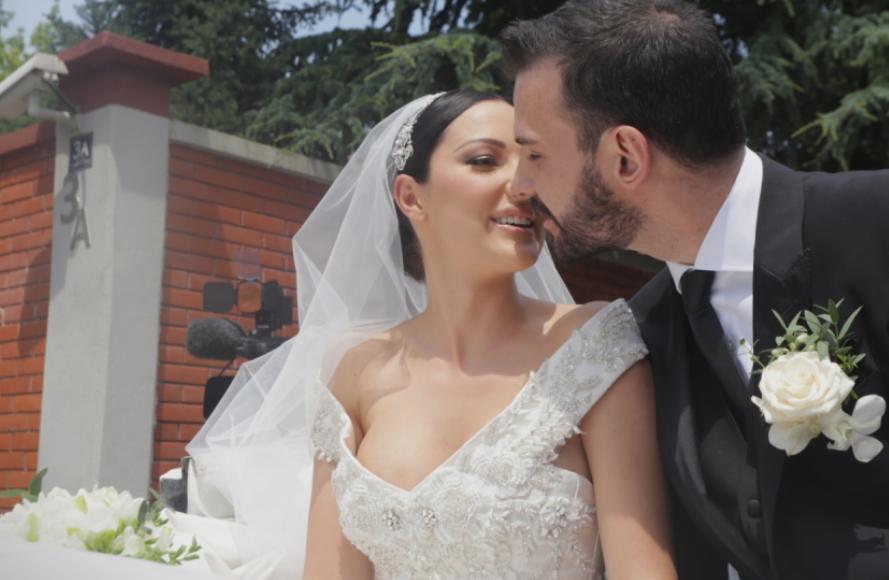 Првата сериозна кавга меѓу Александра и Филип: Сопругот на пејачката не дозволува да се користи презимето Пријовиќ