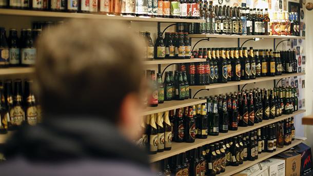 Укината забраната: Алкохол ќе може да се купува во било кое време, само на едно место нема да може