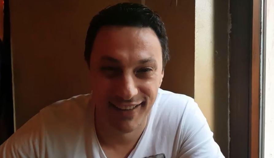 ВИДЕО: Ќе се смеете цел ден, Андрија Милошевиќ кажува нов виц