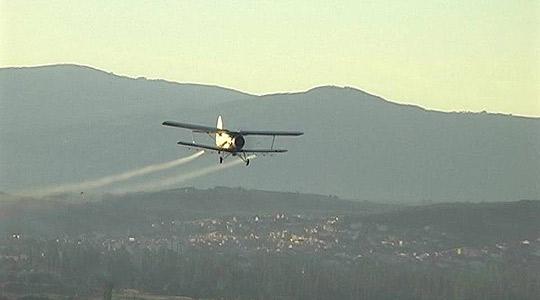 Утре авионско прскање против комарци во општините Велес и Чашка