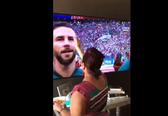 Баба стана планетарен хит- поради овој детаљ таа е причината за победата на Мексико над Германија (ВИДЕО)