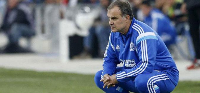 Богат договор за тренерот на Лидс, откако успеа клубот да го врати во елитното натпреварување во Велика Британија