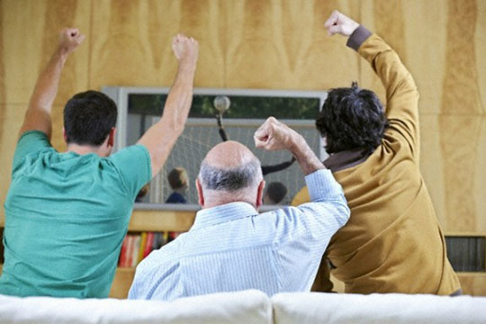 Германската економија губи милиони, бидејќи вработените гледаат фудбал во работно време