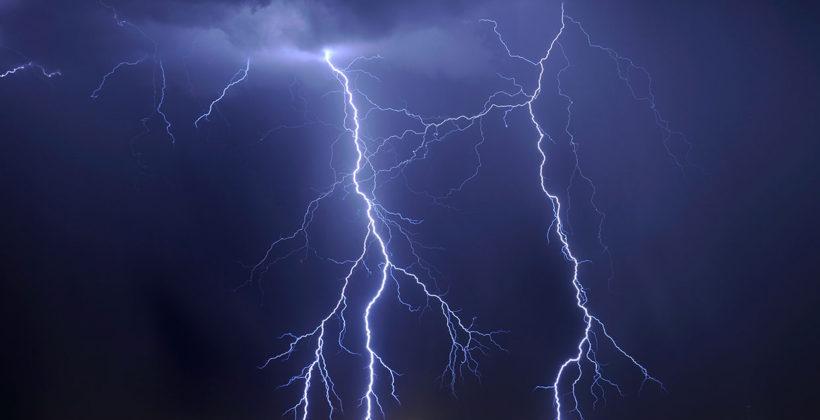 Во Грција вчера регистрирани речиси 13.500 молњи