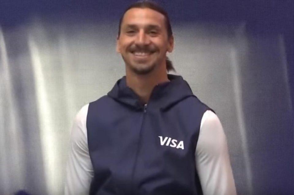 Ибрахимовиќ пристигна во Русија и направи шоу: Тек кога ќе ја слушнете пораката која ја имаше за неговиот тим (ВИДЕО)