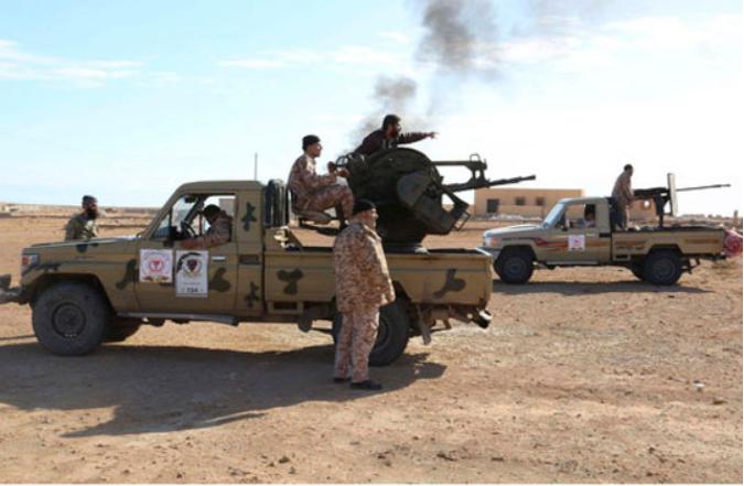 Интензивни борби се водат во близина на нафтени објекти во североисточна Либија