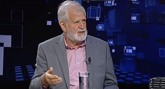 Академик Маџунков: Промена на името е вистинска капитулација на Македонија