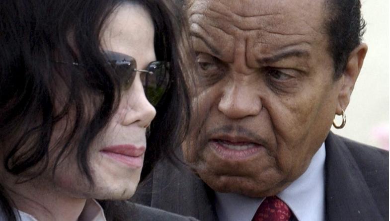 Почина таткото на Мајкл Џексон, човекот за кој пејачот тврдеше дека го малтретирал