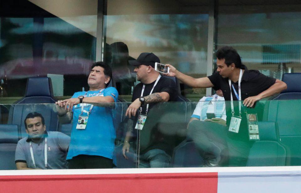 Марадона сепак не бил во болница: Легендарниот Аргентинец раскажа каква драма со здравјето доживеал во текот на мечот (ФОТО+ВИДЕО)