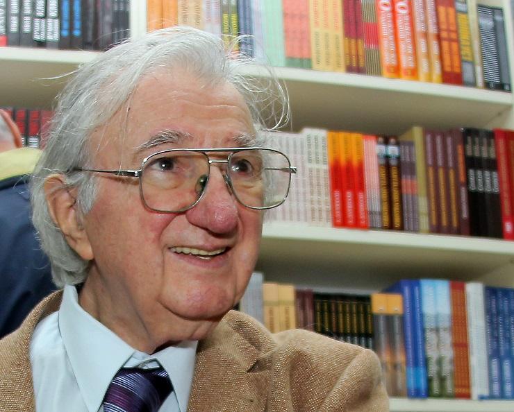 Почина македонскиот академик и поет Матеја Матевски